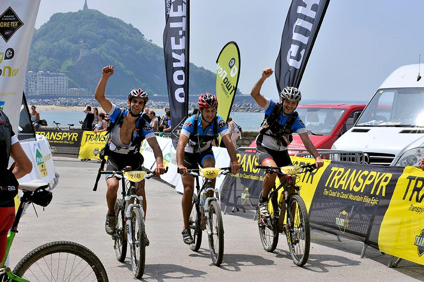 Francesc Piqué y Álex Ferreiro, finishers de la Transpyr 2013